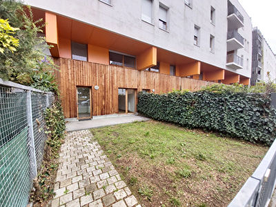Appartement Tours - T4 - 95 m2 - cour